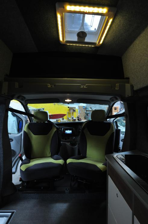 Fiamma skylight with led surround